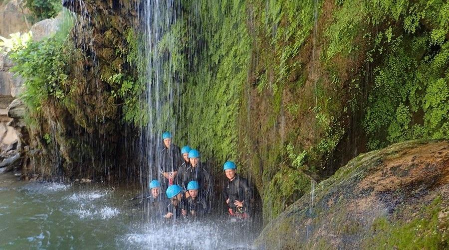 Groupe en canyoning